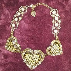EUC Betsy Johnson heart leopard choker